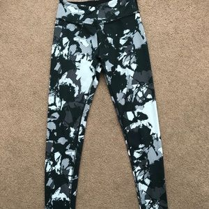Beyond Yoga Abstract Print Legging